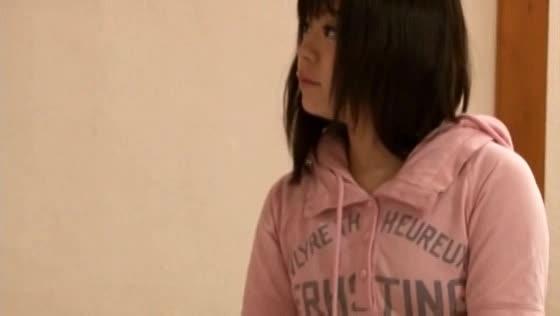 【猥褻マッサージ】童顔少女がマイクロビキニに着替えさせられ明らかにマ●コ触られたり電マを当てられたり